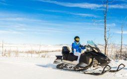 How to Start a Snowmobile After Sitting